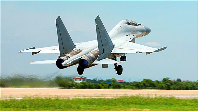 J-16 Fighter jet taxis on runway